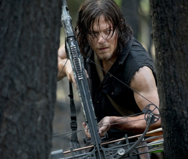 daryl-aims-his-crossbow-in-the-walking-dead-season-6-episode-6jpg-4caa03717cb607bb.jpg